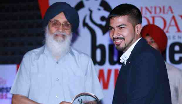 Punjab Chief Minister Prakash Singh Badal Honors Tech Entrepreneur