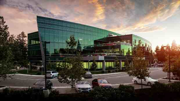 Mercedes-Benz Celebrates 20 Years in Silicon Valley