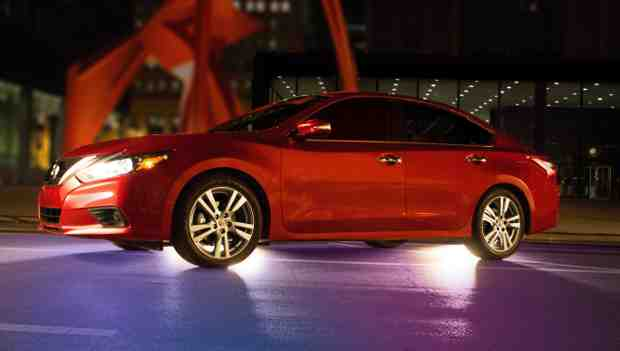 Nissan Invites Social Media Fans to Altima Contest