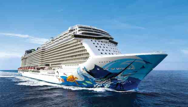 Norwegian Escape: Social Media Usage at Sea
