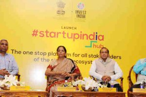 Smt. Nirmala Sitharaman at the launch of the Start - Up India Hub, in New Delhi on June 19, 2017