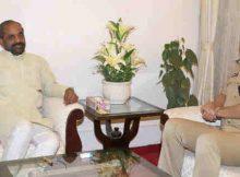 The DG, CISF, Shri Rajesh Ranjan calling on the Minister of State for Home Affairs, Shri Hansraj Gangaram Ahir, in New Delhi on April 25, 2018.