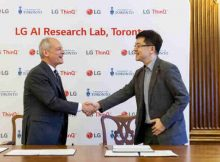 Dr. Meric Gertler, President, University of Toronto, congratulates Dr. I.P. Park, President & Chief Technology Officer, LG Electronics Inc., on the announcement of LG's North American AI Research Lab that establishes the company as a global leader in AI research. The company also entered into a multi-million dollar research partnership with the University of Toronto. Photo: LG