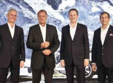 Eberhard Weiblen (CEO Porsche Consulting), Detlev von Platen (Member of the Porsche AG Executive Board for Sales and Marketing), Norman Firchau (President and CEO of Porsche Consulting, Inc., USA), Doug Reinart (Partner Porsche Consulting) (from left). Photo: Porsche Consulting