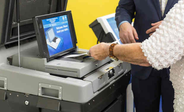 DS200 precinct scanner and tabulator combines the best attributes of a paper-based ballot system with the flexibility and efficiency of the latest digital-image technology – taking traditional optical-scan ballot vote tabulation to a new level. Photo: ES&S