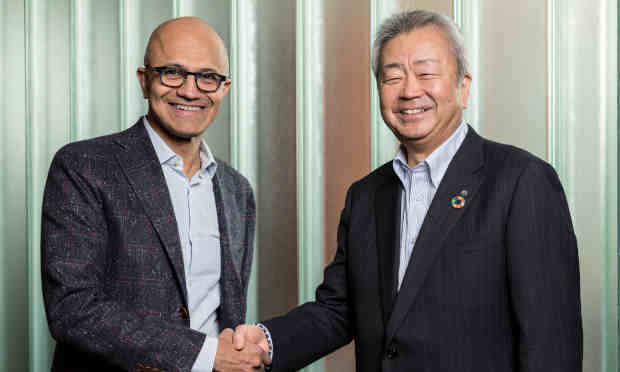 Satya Nadella, CEO, Microsoft (left), Jun Sawada, CEO, NTT (right)
