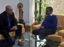 Hotmail founder Sabeer Bhatia met Delhi Chief Minister Arvind Kejriwal to discuss enhanced use of technology to improve governance. Photo: AAP
